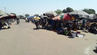 Côte d'Ivoire : Bonoua, après avoir consommé plusieurs débits de boisson frelatée, ivre, il prend en chasse les passants et crée la panique