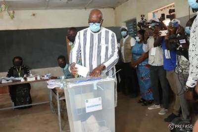 Burkina Faso: Les burkinabé votent leurs président et députés