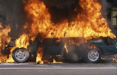 Côte d'Ivoire : Tension à Zouan-Hounien, des villageois incendient 5 véhicules d'une société minière après un accident