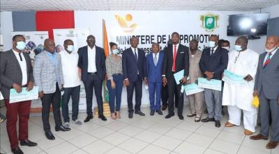 Côte d'Ivoire : COVID-19, distribution de 150 millions de la collectivité pour 43 pro...
