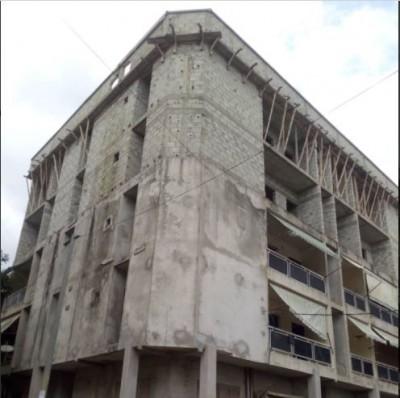 Côte d'Ivoire : Yopougon Ananeraie, un immeuble menaçant de s'effondrer, les occupant...