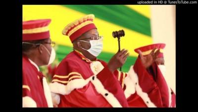 Centrafrique : Législatives, la cour constitutionnelle écarte des membres de groupes...