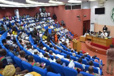 Burkina Faso : Législatives, le parti au pouvoir n'obtient pas la majorité au parleme...