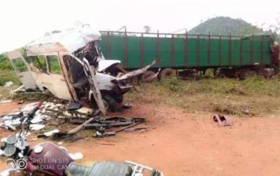 Côte d'Ivoire : Logoualé, 16 morts dans un grave accident de circulation impliquant u...