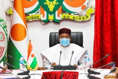 Niger : Mahamadou Issoufou remanie son gouvernement après le départ de ministres candidats à la présidentielle