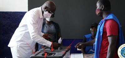 Liberia :  Elections sénatoriale et référendum, jour test pour Weah