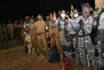 Burkina Faso : Nouvel an, le chef d'état-major communie avec ses hommes au front