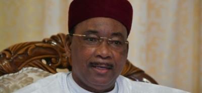 Niger : Après avoir résisté au troisième mandat, Mahamadou Issoufou appelle à ne pas tripoter les constitutions