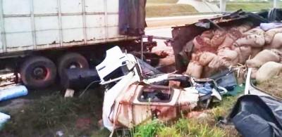 Côte d'Ivoire : Accident impliquant deux camions de transport de marchandises sur l'a...