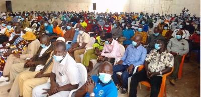 Côte d'Ivoire : Filère noix de cajou, pour obtenir des produits de qualité dans leur filière, la COOP-CA-VICA sollicite l'aide du chef de l'État