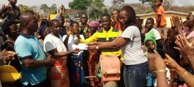 Côte d'Ivoire : Béoumi, en manque d'eau potable depuis 2 ans, des populations heureuses de la réparation en cours de leur pompe villageoise