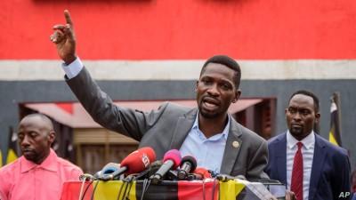 Ouganda : Bobi Wine ne veut rien lâcher, il appelle à manifester contre Museveni sans armes