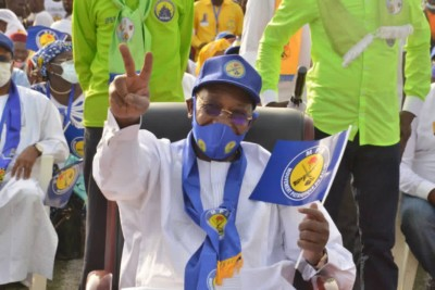 Tchad : En meeting, Idriss Déby après le retrait de plusieurs candidats :« Ils ont eu peur dès le départ »