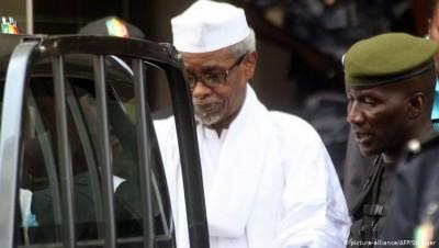 Sénégal- Tchad : Hissène Habré veut sortir de prison pour six mois, les victimes dise...