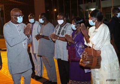 Burkina Faso : Malgré la mise en garde du Fact, le président Kaboré à Ndjamena pour les obsèques de Déby