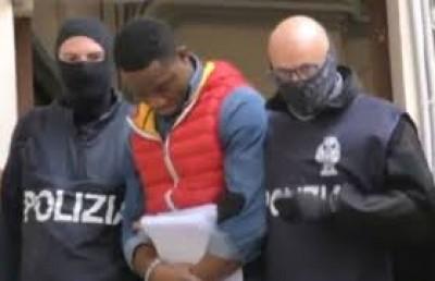 Nigeria-Italie : 30 membres présumés de la mafia «Black Axe» arrêtés par la police italienne