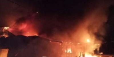 Côte d'Ivoire : Bonoua, le grand marché municipal ravagé par un incendie