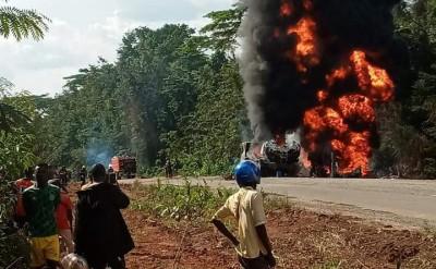 Côte d'Ivoire : Logoualé, 02 camions-citernes en direction de Man explosent, plusieur...