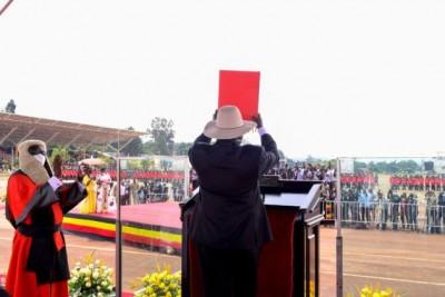 Ouganda : Yoweri Museveni investi pour un sixième mandat à Kampala