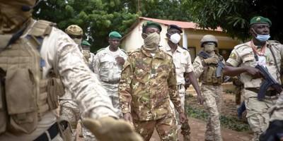 Mali : Crise, Washington suspend son aide militaire, le M5 en négociation avec la junte pour la transition
