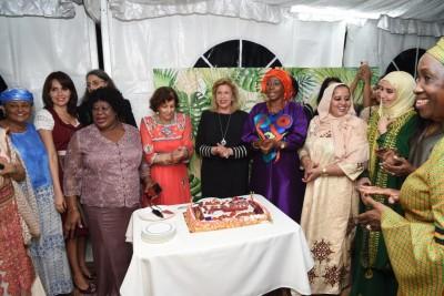 Humanitaire, Dominique Ouattara rend hommage au Groupe des Epouses des Chefs de missions diplomatiques accrédités en Côte d'Ivoire