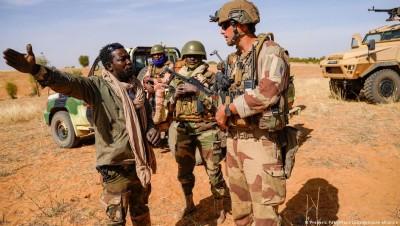 Mali : Pour l'ex rébellion CMA , le retrait de Barkhane fait craindre un retour des j...