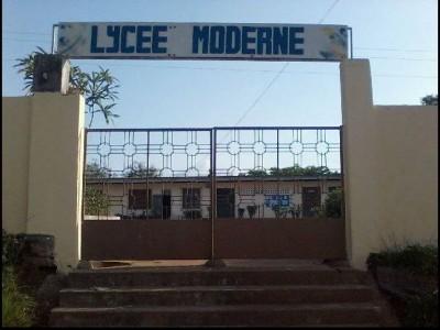 Côte d'Ivoire : Lycée Moderne d'Issia, plus de 500 élèves de la classe de sixième exc...