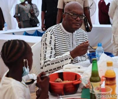 Burkina Faso : Cantine scolaire, lancement d'une initiative pour assurer à chaque élè...