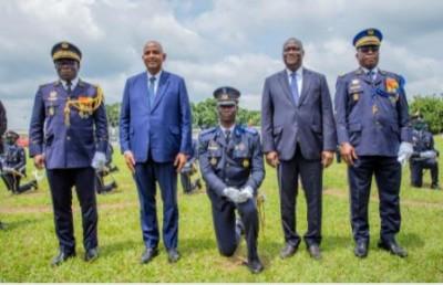 Côte d'Ivoire : Défense,  le Premier Ministre Patrick Achi remet les épaulettes à une centaine d'officiers à Yamoussoukro