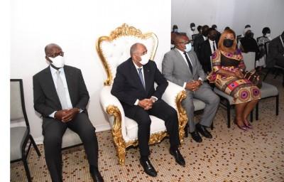 Côte d'Ivoire : Le Premier Ministre à la tête d'une forte délégation présente les con...