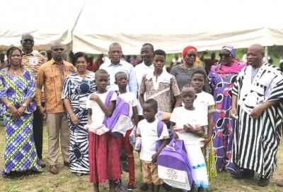 Côte d'Ivoire : Suivant les instructions du président Ouattara, un cadre récompense les meilleurs élèves de la tribu Bounguê