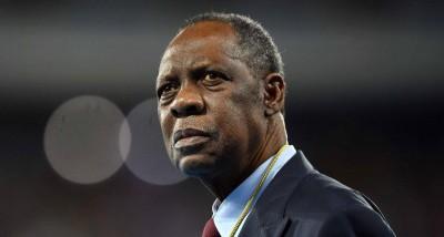 Afrique : Issa Hayatou suspendu un an par la FIFA