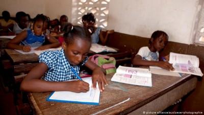 Côte d'Ivoire :  Échecs scolaires, des parents d'élèves mécontents mettent en cause l...