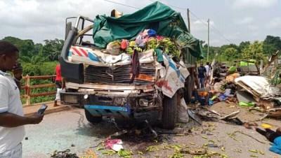 Cameroun : Près d'une vingtaine de morts et des dizaines de blessés graves dans un accident de la route