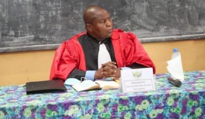 Centrafrique : Enseignant, Touadera préside une soutenance de doctorat en mathématiques