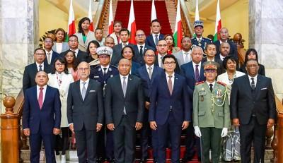 Madagascar : Après un vaste nettoyage, Rajoelina se forme un gouvernement «d'action »...