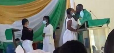Ghana :  Sanction pour un prêtre anglican controversé