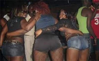 Bénin : La police met en garde contre les vêtements «sexy» et les images obscènes sur internet