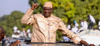Gambie :  Barrow tiré d'affaire sur une interdiction de partis politiques