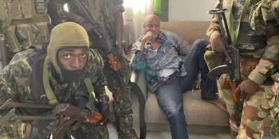 Guinée : Renversé, Alpha Condé refuserait de signer sa démission