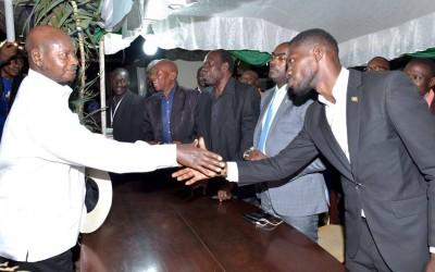 Ouganda : Bobi Wine rejette la main tendue du Président  Museveni