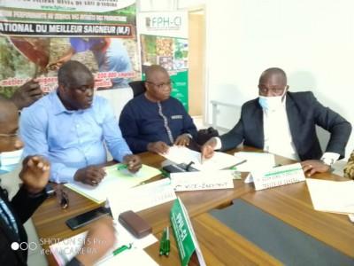 Côte d'Ivoire :  Hévéaculture, un concours lancé pour promouvoir le métier de saigneu...