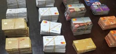 Ghana :  Un passager arrêté avec 656 cartes de guichet automatique