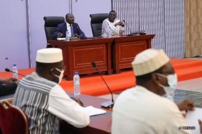Burkina Faso : Après trois mois de suspension, le dialogue entre majorité et oppositi...