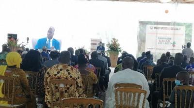 Côte d'Ivoire :  Le Conseil café-cacao lance la campagne 2021-22, 700 FCFA le kilo de café et 825 FCFA pour le cacao
