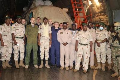 Mali : En pleine tension avec la France, la Russie livre quatre hélicoptères au Mali