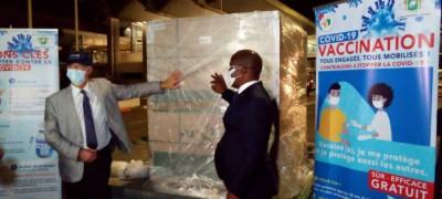 Côte d'Ivoire : Malgré les controverses, 129.000 nouvelles doses de vaccins Johnson and Johnson atterrissent à Abidjan