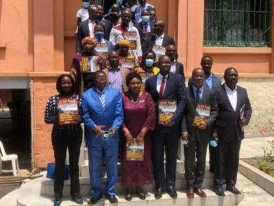 Côte d'Ivoire:    L'UNJCI présente son bimestriel, un magazine qui «  ambitionne de se positionner à l'avant-garde du professionnalisme et de l'excellence »