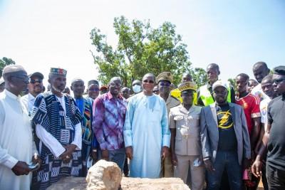 Côte d'Ivoire : Tengrela, lors de la pose de la première du foyer des jeunes du village de Papara, Bruno Koné invite la jeunesse à penser développement