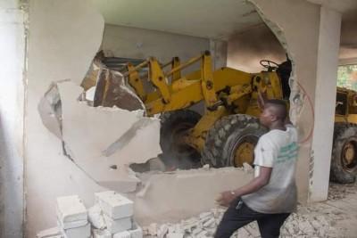 Côte d'Ivoire : Cocody, face au non respect de la réglementation du maitre d'ouvrage,...